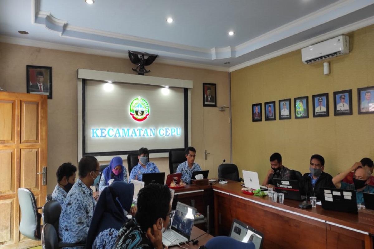 Berikan Pelatihan Pengelolaan Website Desa
